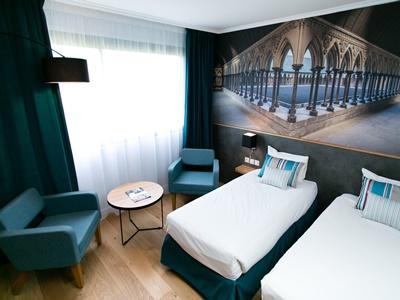 standard bedroom 3 - hotel mercure mont st michel - mont st michel, france