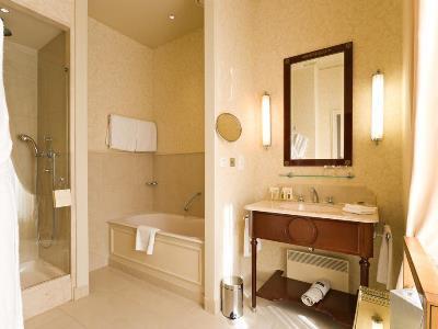 bathroom - hotel intercontinental paris-le grand - paris, france
