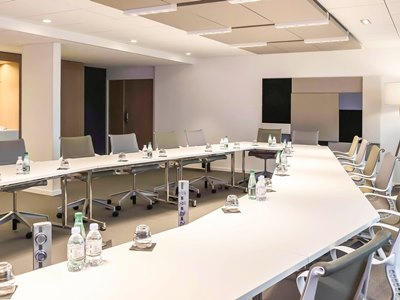 conference room - hotel novotel reims tinqueux - reims, france