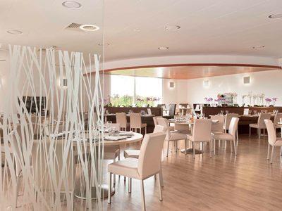 restaurant - hotel novotel reims tinqueux - reims, france