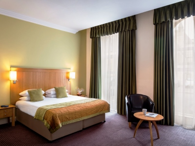 bedroom - hotel mercure warks walton hall - walton-warwickshire, united kingdom