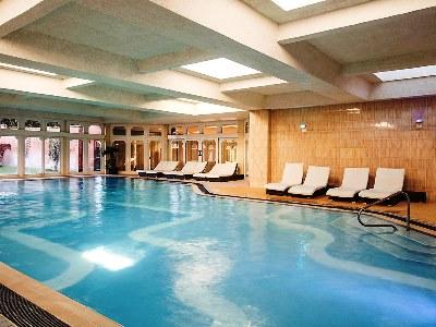 indoor pool - hotel mercure warks walton hall - walton-warwickshire, united kingdom