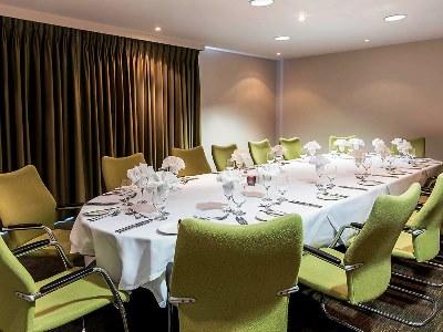 conference room - hotel mercure warks walton hall - walton-warwickshire, united kingdom