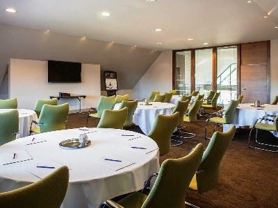 conference room 1 - hotel mercure warks walton hall - walton-warwickshire, united kingdom