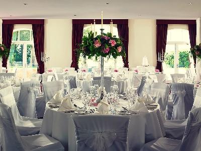 conference room 2 - hotel mercure warks walton hall - walton-warwickshire, united kingdom
