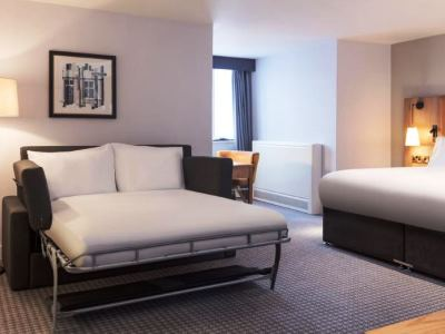 bedroom 2 - hotel doubletree by hilton oxford belfry - thame, united kingdom
