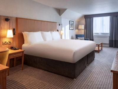 bedroom 4 - hotel doubletree by hilton oxford belfry - thame, united kingdom