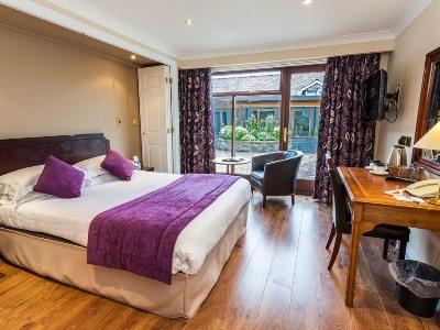 bedroom - hotel castle inn, bw signature collection - bassenthwaite, united kingdom