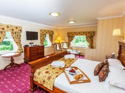 bedroom 1 - hotel castle inn, bw signature collection - bassenthwaite, united kingdom