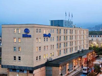 希爾頓巴斯城市酒店