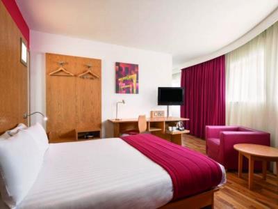 bedroom 2 - hotel ramada encore - belfast-n.irl, united kingdom