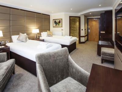 bedroom 1 - hotel ramada birmingham solihull - birmingham, united kingdom