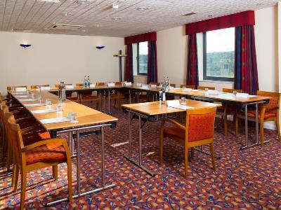 conference room - hotel holiday inn express bradford city ctr - bradford, united kingdom
