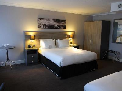 bedroom 3 - hotel doubletree by hilton bristol city ctr - bristol, united kingdom
