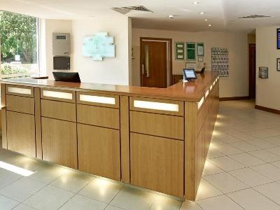 lobby - hotel holiday inn bristol airport - bristol, united kingdom