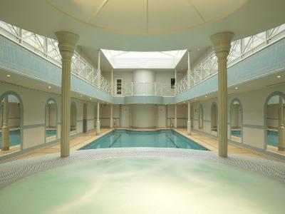 indoor pool - hotel lygon arms - broadway, united kingdom