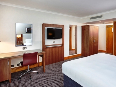 bedroom 4 - hotel doubletree by hilton coventry - coventry, united kingdom