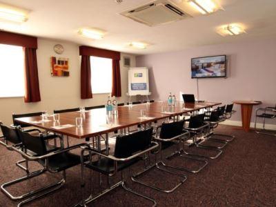 conference room - hotel holiday inn express gatwick crawley - crawley, united kingdom