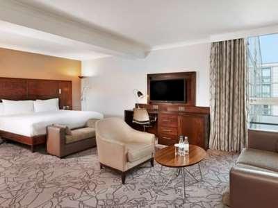 bedroom 1 - hotel hilton london croydon - croydon, united kingdom
