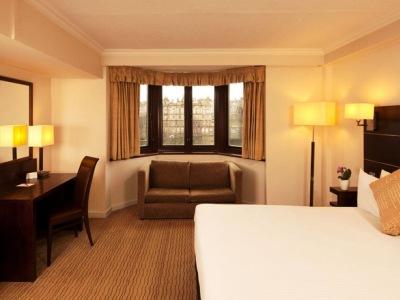 bedroom 1 - hotel mercure edinburgh princes street - edinburgh, united kingdom