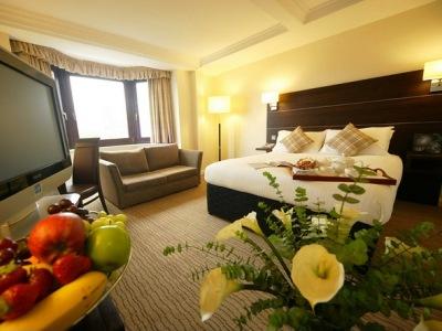 bedroom 3 - hotel mercure edinburgh princes street - edinburgh, united kingdom