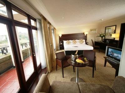 bedroom 5 - hotel mercure edinburgh princes street - edinburgh, united kingdom