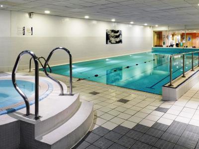 indoor pool - hotel holiday inn edinburgh - edinburgh, united kingdom