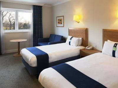 bedroom 4 - hotel holiday inn edinburgh - edinburgh, united kingdom