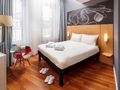 bedroom - hotel ibis centre south bridge - edinburgh, united kingdom