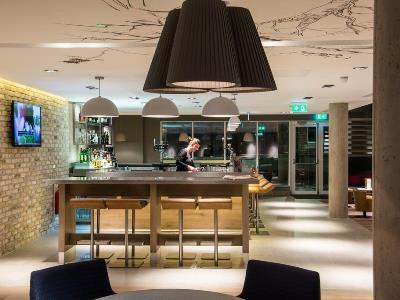 bar - hotel ibis centre south bridge - edinburgh, united kingdom