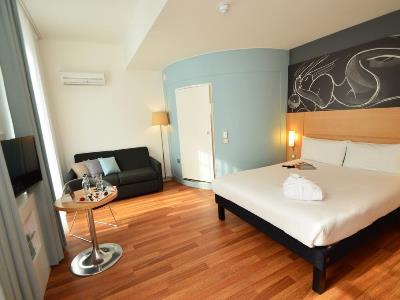 bedroom 5 - hotel ibis centre south bridge - edinburgh, united kingdom