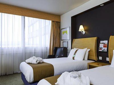 bedroom 1 - hotel holiday inn glasgow airport - glasgow, united kingdom