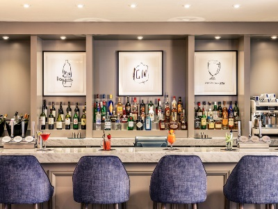bar - hotel mercure gloucester bowden hall - gloucester, united kingdom
