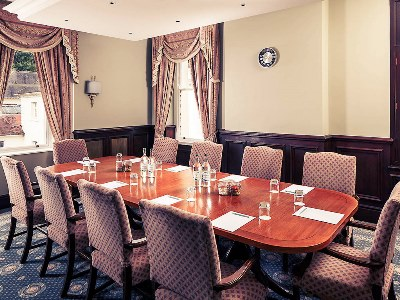 conference room - hotel mercure gloucester bowden hall - gloucester, united kingdom