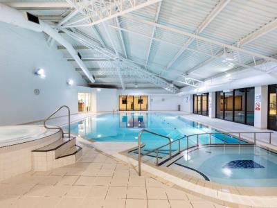indoor pool - hotel holiday inn gloucester cheltenham - gloucester, united kingdom