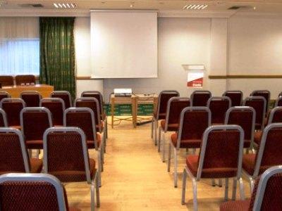 conference room - hotel jurys inn inverness - inverness, united kingdom