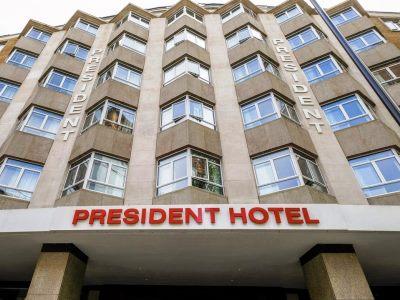 exterior view - hotel president - london, united kingdom