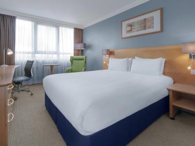 bedroom - hotel holiday inn kensington forum - london, united kingdom