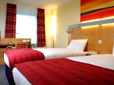 bedroom - hotel holiday inn express london golders green - london, united kingdom
