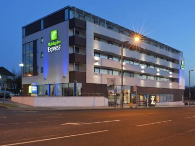 exterior view - hotel holiday inn express london golders green - london, united kingdom