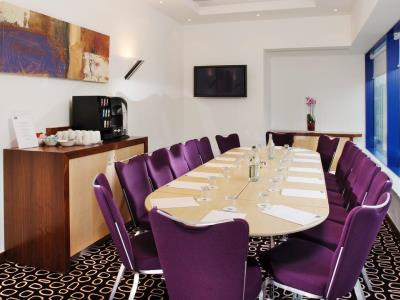 conference room - hotel holiday inn express london golders green - london, united kingdom