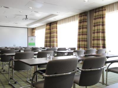 conference room - hotel holiday inn london - stratford city - london, united kingdom