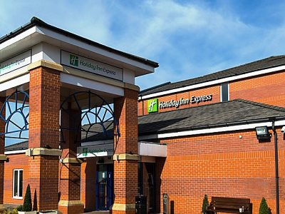 exterior view 1 - hotel holiday inn express manchester east - manchester, united kingdom