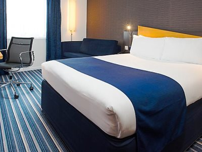 bedroom 1 - hotel holiday inn express manchester east - manchester, united kingdom