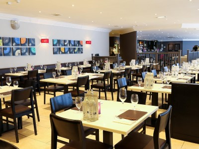 restaurant 1 - hotel crowne plaza manchester airport - manchester, united kingdom