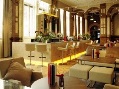 bar - hotel kimpton clocktower - manchester, united kingdom