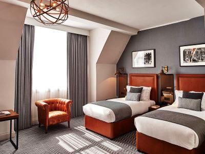 bedroom 1 - hotel kimpton clocktower - manchester, united kingdom