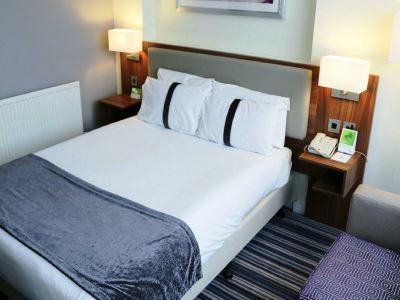 bedroom 1 - hotel holiday inn runcorn - runcorn, united kingdom