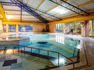 indoor pool - hotel holiday inn runcorn - runcorn, united kingdom