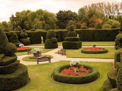 gardens - hotel billesley manor - stratford-upon-avon, united kingdom